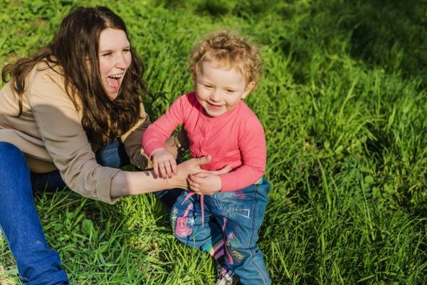 Moms Stres? Atasi dengan Tertawa Seperti Anak Kecil: read it and you will know all about Moms Stres? Atasi dengan Tertawa Seperti Anak Kecil for moms, the most interesting about Moms Stres? Atasi dengan Tertawa Seperti Anak Kecil on a site motherandbaby.co.id
