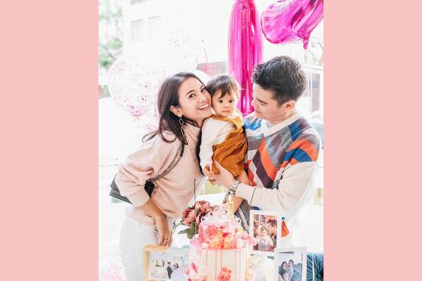 Ini Anak-Anak Selebriti yang Rayakan Ultah di September: read it and you will know all about Ini Anak-Anak Selebriti yang Rayakan Ultah di September for moms, the most interesting about Ini Anak-Anak Selebriti yang Rayakan Ultah di September on a site motherandbaby.co.id