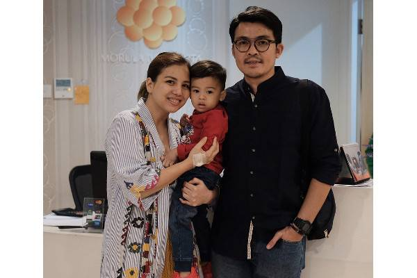 Berita Selebriti: read it and you will know all about Berita Selebriti for moms, the most interesting about Berita Selebriti on a site motherandbaby.co.id