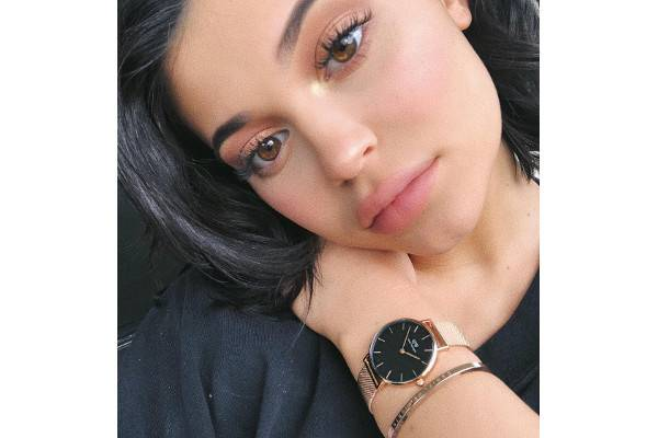 Umumkan Kelahiran Anak Pertama, Kylie Jenner Buat Video: read it and you will know all about Umumkan Kelahiran Anak Pertama, Kylie Jenner Buat Video for moms, the most interesting about Umumkan Kelahiran Anak Pertama, Kylie Jenner Buat Video on a site motherandbaby.co.id
