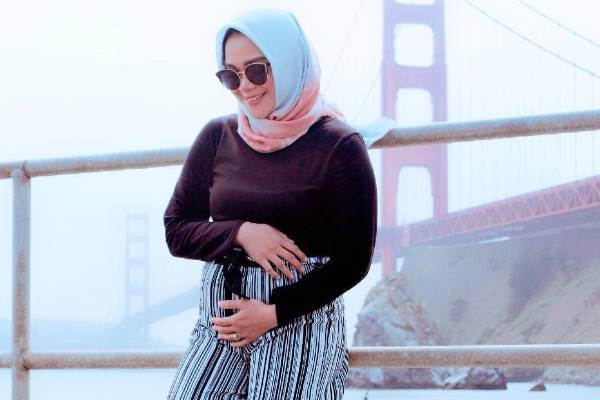 Hamil 7 Bulan, Sheza Idris Nekat Pulang Ke Indonesia: read it and you will know all about Hamil 7 Bulan, Sheza Idris Nekat Pulang Ke Indonesia for moms, the most interesting about Hamil 7 Bulan, Sheza Idris Nekat Pulang Ke Indonesia on a site motherandbaby.co.id