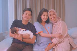 Berita Selebriti: read it and you will know all about Berita Selebriti for moms, the most interesting about Keluarga on a site motherandbaby.co.id