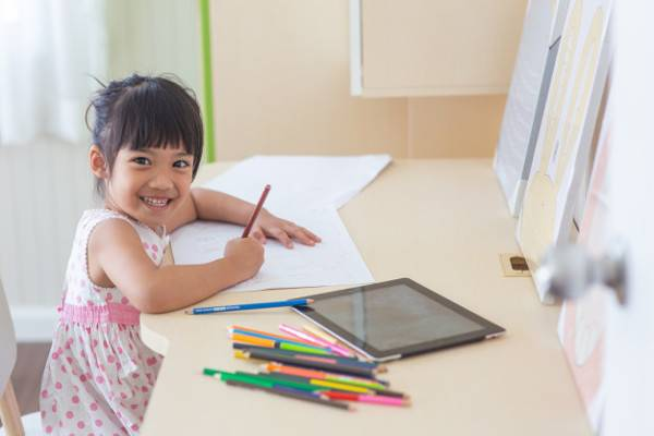 Homeschooling atau Sekolah Biasa, Pilih Mana?: read it and you will know all about Homeschooling atau Sekolah Biasa, Pilih Mana? for moms, the most interesting about Homeschooling atau Sekolah Biasa, Pilih Mana? on a site motherandbaby.co.id
