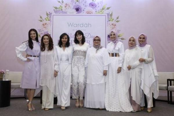 Curhat 3 Selebriti Cantik Menjelang Hari Ibu : read it and you will know all about Curhat 3 Selebriti Cantik Menjelang Hari Ibu  for moms, the most interesting about Curhat 3 Selebriti Cantik Menjelang Hari Ibu  on a site motherandbaby.co.id