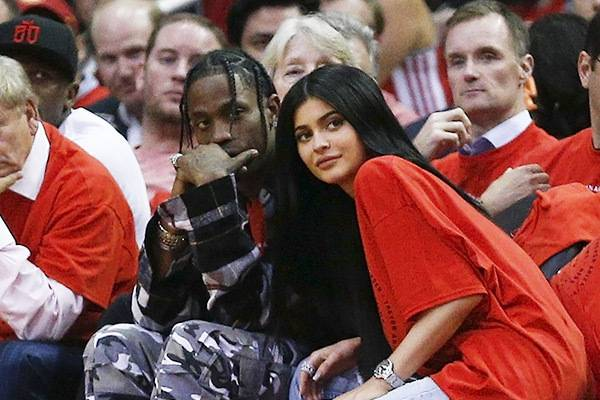 Kylie Jenner Hamil Anak Pertama: read it and you will know all about Kylie Jenner Hamil Anak Pertama for moms, the most interesting about Kylie Jenner Hamil Anak Pertama on a site motherandbaby.co.id