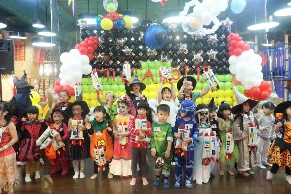 Serunya Pesta Halloween di Miniapolis Playground: read it and you will know all about Serunya Pesta Halloween di Miniapolis Playground for moms, the most interesting about Serunya Pesta Halloween di Miniapolis Playground on a site motherandbaby.co.id