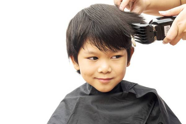7 Trik agar Anak Mau Potong Rambut: read it and you will know all about 7 Trik agar Anak Mau Potong Rambut for moms, the most interesting about 7 Trik agar Anak Mau Potong Rambut on a site motherandbaby.co.id