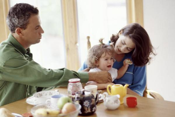 4 Cara Mengelola Emosi Anak: read it and you will know all about 4 Cara Mengelola Emosi Anak for moms, the most interesting about 4 Cara Mengelola Emosi Anak on a site motherandbaby.co.id