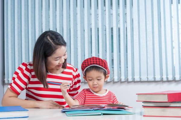 4 Cara Seru untuk Mengerjakan PR: read it and you will know all about 4 Cara Seru untuk Mengerjakan PR for moms, the most interesting about 4 Cara Seru untuk Mengerjakan PR on a site motherandbaby.co.id