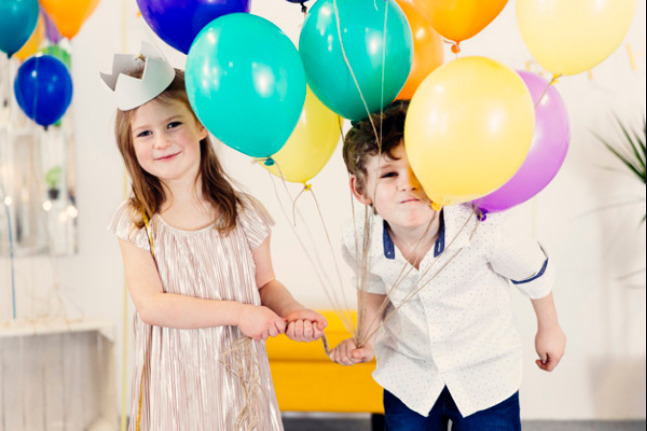 8 Ide Pesta Tahun Baru bersama Anak: read it and you will know all about 8 Ide Pesta Tahun Baru bersama Anak for moms, the most interesting about 8 Ide Pesta Tahun Baru bersama Anak on a site motherandbaby.co.id