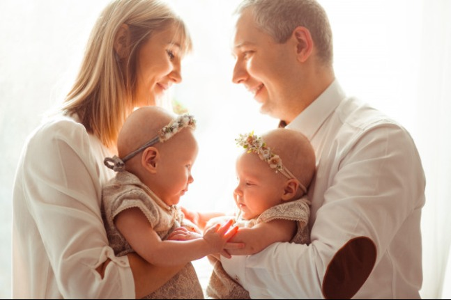Anak Kembar Tak Harus Selalu Disamakan: read it and you will know all about Anak Kembar Tak Harus Selalu Disamakan for moms, the most interesting about Anak Kembar Tak Harus Selalu Disamakan on a site motherandbaby.co.id
