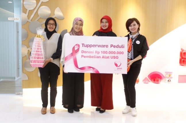 Tupperware Ajak Perempuan Peduli Kanker Payudara: read it and you will know all about Tupperware Ajak Perempuan Peduli Kanker Payudara for moms, the most interesting about Tupperware Ajak Perempuan Peduli Kanker Payudara on a site motherandbaby.co.id